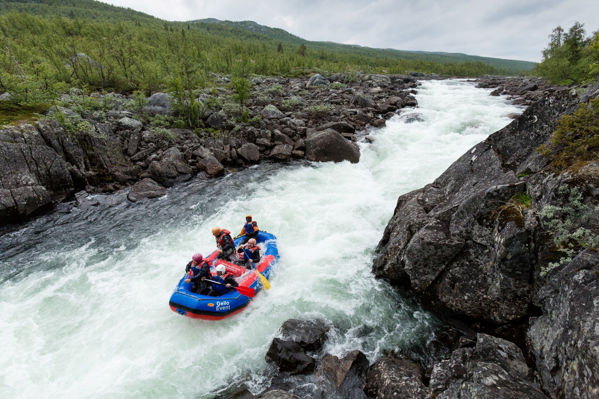 Rafting hos Serious Fun raftingsenter i Dagali